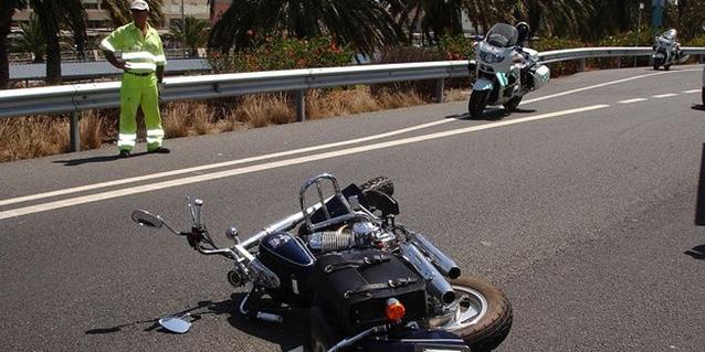 Un fallecido tras caer con su moto por un barranquillo en Tenerife