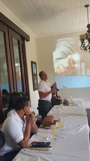 capellan-santiago-octubre-seminario